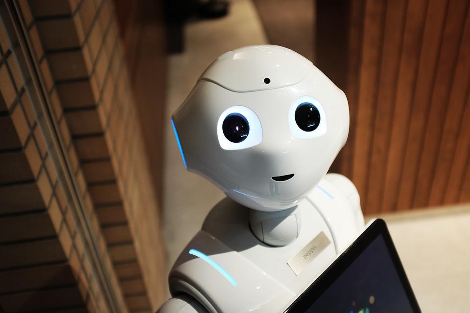 Robot Modern White Technology